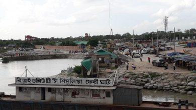 ফেরি চলাচল এখনো বন্ধ শিমুলিয়া-কাঁঠালবাড়ী নৌরুটে
